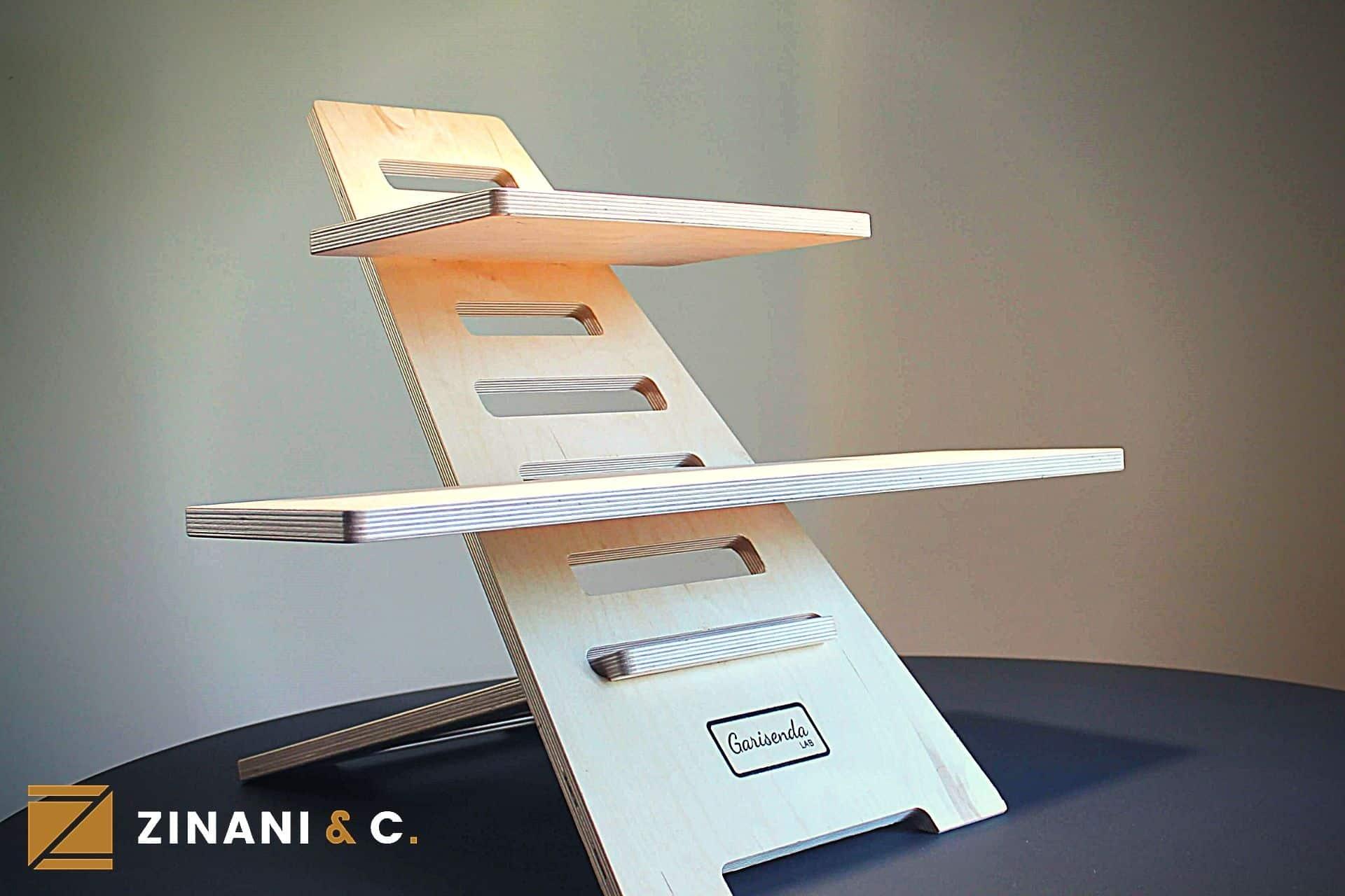 """""""Standing Desk Umarell"""", la scrivania in legno per lavorare in piedi"""