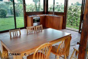 Read more about the article Arredare un gazebo: tavolo in legno e cucina su misura