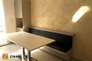 Read more about the article Angolo cucina su misura: mobile, panca e tavolo in legno
